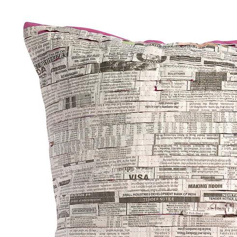 Le coussin en papier journal
