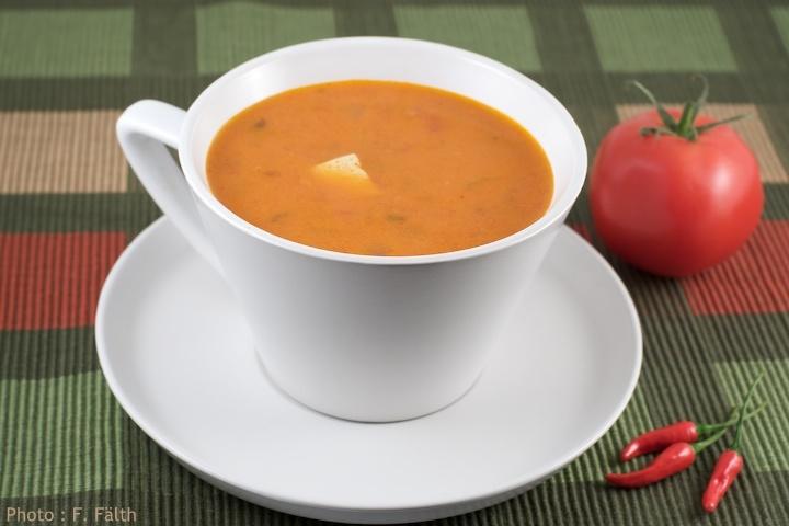 Soupe thaïe au curry rouge