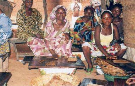 Le prix Fondation POWEO à un groupe de femmes au Bénin