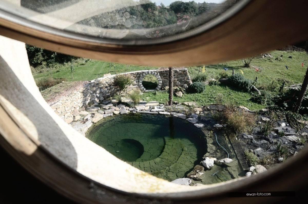 Jardin : Un bassin de baignade privatif naturel sans béton