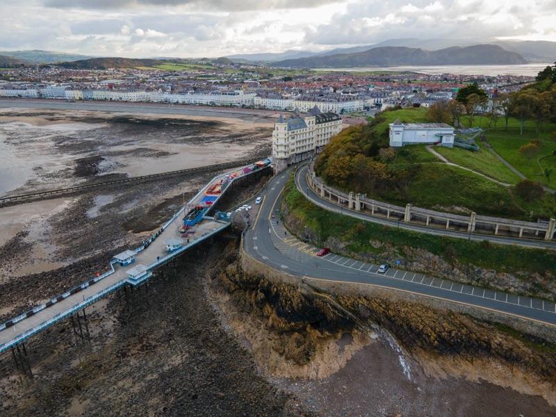 Déplacements alternatifs : le Pays de Galles annonce le gel des investissements routiers